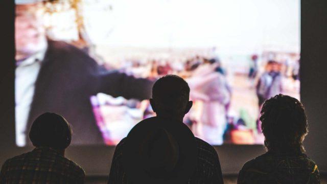 https://www.vigamusacademy.com/beta/wp-content/uploads/2019/11/Corso-di-Estetica-del-Film-e-Critica-Cinematografica-640x360.jpg